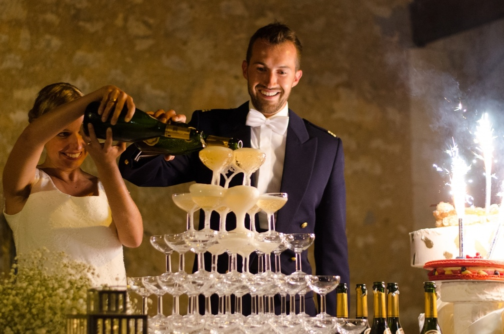 Champagne fountain (2555 visits) Wedding pictures | Champagne fountain