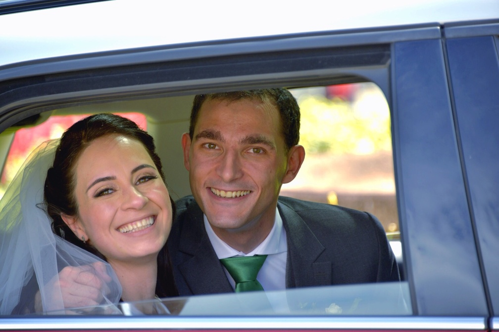 In the car (1058 visits) Wedding pictures | In the car